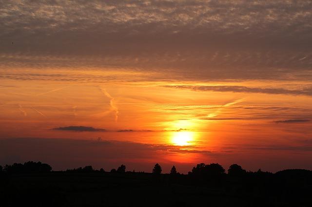 sunset-1520582_640